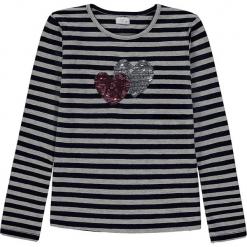 Koszulka w kolorze niebiesko-szarym. Niebieskie bluzki dziewczęce bawełniane Königsmühle, w paski, z okrągłym kołnierzem, z długim rękawem. W wyprzedaży za 47,95 zł.