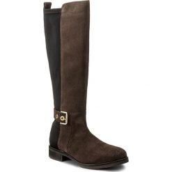 Oficerki TOMMY HILFIGER - Tessa 3C FW0FW01434  Black Coffee 061. Brązowe buty zimowe damskie marki TOMMY HILFIGER, z gumy, na obcasie. W wyprzedaży za 449,00 zł.