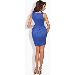 Klasyczna sukienka w formie bombki chabrowa IVETTE. Niebieskie sukienki balowe marki Lemoniade, z klasycznym kołnierzykiem, bombki. Za 89,90 zł.