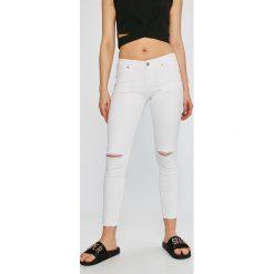 Answear - Jeansy Garden of Dreams. Białe rurki damskie marki ANSWEAR, z bawełny. W wyprzedaży za 99,90 zł.