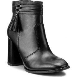 Botki LASOCKI - 165620-01 Czarny. Czarne botki damskie na obcasie marki Lasocki, ze skóry. W wyprzedaży za 140,00 zł.