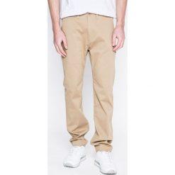 Levi's - Spodnie. Brązowe chinosy męskie marki Levi's®, z bawełny. W wyprzedaży za 229,90 zł.