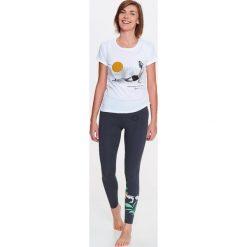 T-shirty damskie: Pies z głową do góry KOSZULKA