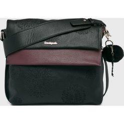 Desigual - Torebka. Czarne torebki klasyczne damskie Desigual, z haftami, z poliesteru, średnie, z haftem. Za 349,90 zł.
