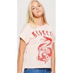 Bluzki, topy, tuniki: Koszulka z podwiniętym rękawem - Różowy