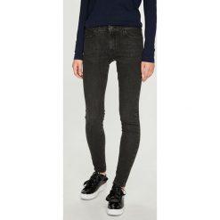 Wrangler - Jeansy Midnight Bird. Szare jeansy damskie marki Wrangler, na co dzień, m, z nadrukiem, casualowe, z okrągłym kołnierzem, mini, proste. Za 329,90 zł.
