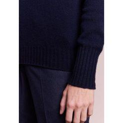 Drumohr Sweter navy. Białe swetry klasyczne męskie marki Bambi, l, z nadrukiem, z okrągłym kołnierzem. W wyprzedaży za 395,60 zł.