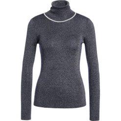 Patrizia Pepe Sweter lapis blue. Czarne swetry klasyczne damskie marki Patrizia Pepe, ze skóry. W wyprzedaży za 473,40 zł.