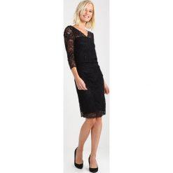 Kaffe CLAUDIA  Sukienka koktajlowa black deep. Czarne sukienki koktajlowe Kaffe, xs, z elastanu. Za 369,00 zł.