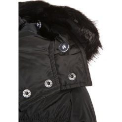 Cars Jeans SERENA Kurtka zimowa black. Czarne kurtki dziewczęce Cars Jeans, na zimę, z jeansu. W wyprzedaży za 265,30 zł.
