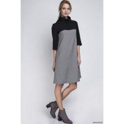 SUKIENKA Z GOLFEM, SUK121 pepito. Szare sukienki na komunię marki Pakamera, z dekoltem na plecach, midi, w kształcie a. Za 172,00 zł.