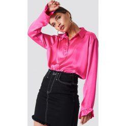 NA-KD Satynowa koszula - Pink. Różowe koszule damskie NA-KD, z materiału. W wyprzedaży za 85,37 zł.