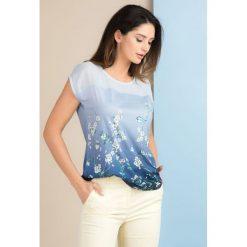 T-shirt z kwiatkami. Szare t-shirty damskie marki Monnari, w kwiaty, z dekoltem na plecach. Za 59,50 zł.