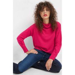 Sweter z kaszmirem i jedwabiem. Czerwone golfy damskie marki Orsay, s, w jednolite wzory, z dzianiny. W wyprzedaży za 90,00 zł.