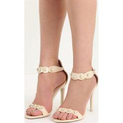 Beżowe Sandały Gratitude. Brązowe sandały damskie marki Born2be, w paski, na wysokim obcasie, na szpilce. Za 49,99 zł.