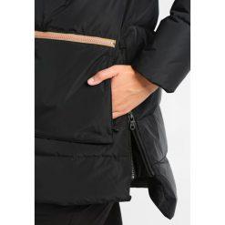 Płaszcze damskie pastelowe: Burton KING PINE  Płaszcz puchowy true black
