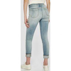 Calvin Klein Jeans - Jeansy CKJ 011. Niebieskie jeansy damskie marki Calvin Klein Jeans. W wyprzedaży za 539,90 zł.