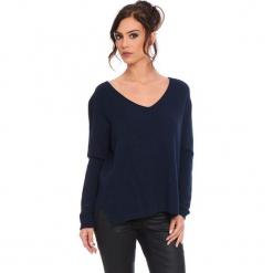 """Sweter """"Talia"""" w kolorze granatowym. Niebieskie swetry klasyczne damskie marki Cosy Winter, s, ze splotem. W wyprzedaży za 181,95 zł."""