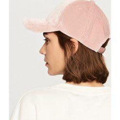 Czapki damskie: Sztruksowa czapka z daszkiem - Różowy