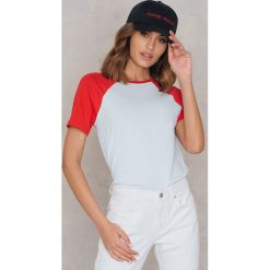 T-shirty damskie: Statement By NA-KD Influencers T-shirt Freja Wewer – White,Red