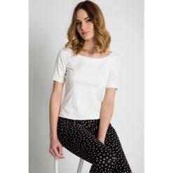 Bluzki asymetryczne: Elegancka bluzka ecru z krótkim rękawem BIALCON