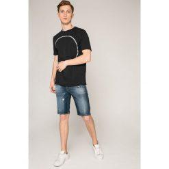 Diesel - Szorty. Czerwone spodenki jeansowe męskie marki Cropp. W wyprzedaży za 359,90 zł.