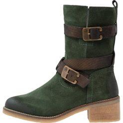 Be Natural WIDE FIT Kowbojki i Buty motocyklowe green. Zielone buty zimowe damskie Be Natural, z materiału. W wyprzedaży za 215,55 zł.