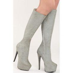Szare Kozaki Hornbeam. Czarne buty zimowe damskie marki Kazar, z futra, przed kolano, na wysokim obcasie, na koturnie. Za 79,99 zł.