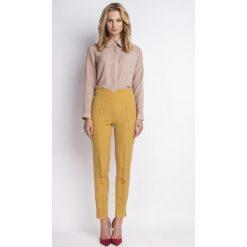 Spodnie z wysokim stanem: Klasyczne Musztardowe Spodnie w Kant z Wysokim Stanem