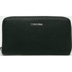 Calvin Klein - Portfel. Czarne portfele damskie Calvin Klein, z materiału. Za 269,90 zł.