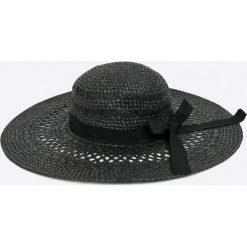 Pieces - Kapelusz. Czarne kapelusze damskie Pieces, z materiału. W wyprzedaży za 79,90 zł.