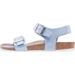 Genuins FASANO Sandały blue jeans. Niebieskie sandały chłopięce Genuins, z jeansu, z otwartym noskiem. W wyprzedaży za 146,30 zł.
