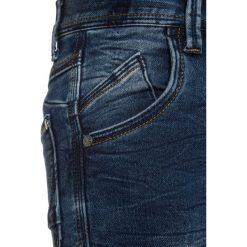 Name it NKMPETE PANT Jeans Skinny Fit dark blue denim. Czerwone jeansy męskie relaxed fit marki Name it, l, z nadrukiem, z bawełny, z okrągłym kołnierzem. Za 139,00 zł.