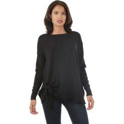 Sweter w kolorze czarnym. Czarne swetry klasyczne damskie marki L'étoile du cachemire, z kaszmiru. W wyprzedaży za 129,95 zł.