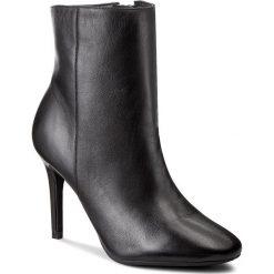 Botki GUESS - Binty FLBIN3 LEA10 BLACK. Czarne botki damskie skórzane marki Guess. W wyprzedaży za 389,00 zł.