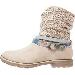 S.Oliver RED LABEL Botki nature. Brązowe buty zimowe damskie marki s.Oliver RED LABEL, z materiału. W wyprzedaży za 136,95 zł.