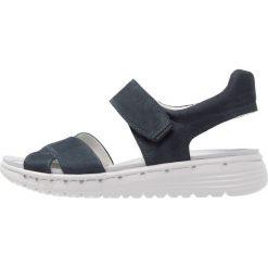 Gabor Sandały na koturnie night blue. Niebieskie sandały damskie Gabor, z materiału, na koturnie. Za 499,00 zł.
