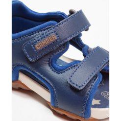 Camper OUS  Sandały navy. Niebieskie sandały chłopięce Camper, z materiału. Za 229,00 zł.