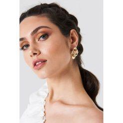 Kolczyki damskie: NA-KD Accessories Kolczyki Big Blossom – Gold
