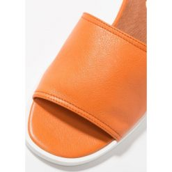 Chodaki damskie: L'INTERVALLE LAMYA Klapki orange