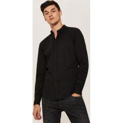 Koszula basic - Czarny. Czarne koszule męskie marki House, l, z nadrukiem. Za 69,99 zł.