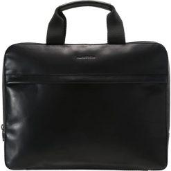 J.LINDEBERG Aktówka black. Czarne torby na laptopa J.LINDEBERG, małe. W wyprzedaży za 671,20 zł.