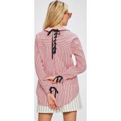 Answear - Koszula. Różowe koszule wiązane damskie ANSWEAR, l, w paski, z bawełny, casualowe, z klasycznym kołnierzykiem, z długim rękawem. W wyprzedaży za 99,90 zł.