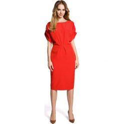 Czerwona Koktajlowa Sukienka Typu Kimono z Zakładkami. Czerwone sukienki na komunię Molly.pl, do pracy, l, biznesowe, z dekoltem w łódkę, oversize. Za 119,90 zł.