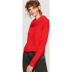 Sweter z luźnym golfem - Czerwony. Czerwone golfy damskie marki Reserved, m. Za 49,99 zł.