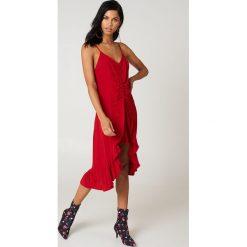 Sukienki: NA-KD Trend Sukienka midi z marszczeniem z przodu – Red