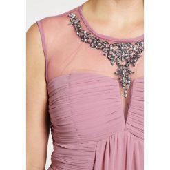 Sukienki hiszpanki: Little Mistress Curvy Sukienka koktajlowa dusty pink