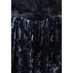 Next SKORT Szorty blue. Niebieskie spodenki chłopięce Next, z elastanu. Za 129,00 zł.