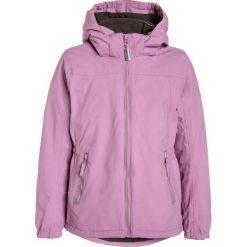 Mikkline GIRLS JACKET  Kurtka zimowa violet. Fioletowe kurtki chłopięce zimowe marki Jack Wolfskin, z hardshellu. W wyprzedaży za 359,10 zł.