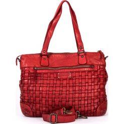 Skórzana torebka w kolorze czerwonym - 38 x 29 x 15 cm. Czerwone torby na laptopa marki neropantera, w paski, ze skóry. W wyprzedaży za 478,95 zł.